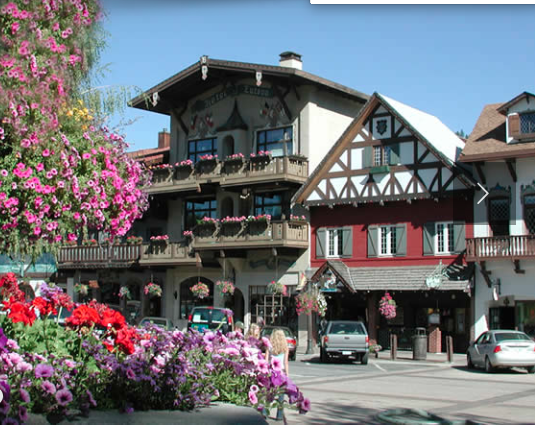 leavenworth washington downtown with colorful buildings and flowers